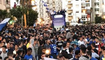 """احتفالات كبرى لـ """"بطل المغرب"""" رفقة جماهيره في شوارع طنجة"""
