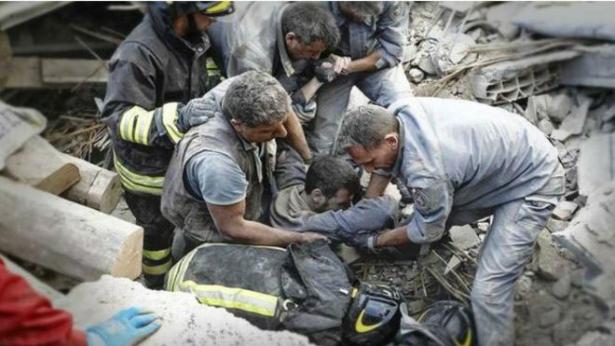 شاب مغربي من بين المصابين في الزلزال الذي ضرب وسط إيطاليا