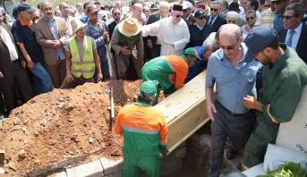 تشييع جنازة الكاتب والصحفي عبد الكريم غلاب بمقبرة الشهداء بالرباط