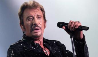 الحزن يخيم على فرنسا بعد وفاة المغني جوني هاليداي