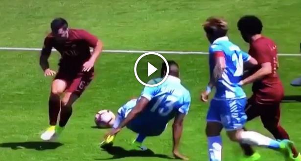 فيديو..ركلة جزاء مثيرة للجدل بعد ادعاء لاعب السقوط في الدوري الايطالي