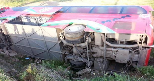 صور حادثة حافلة شباب خنيفرة والحصيلة الجديدة