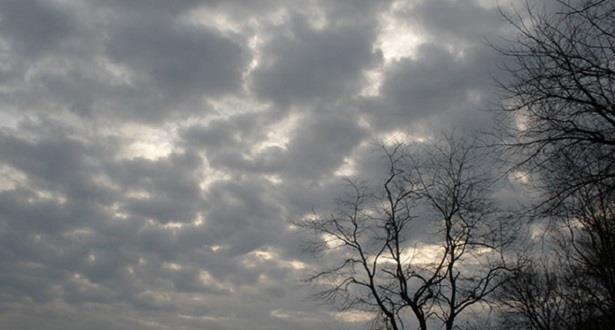توقعات طقس السبت.. تشكل سحب منخفظة مصحوبة بأمطار خفيفة