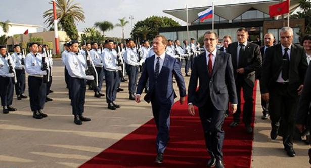 الوزير الأول الروسي يغادر المغرب في أعقاب زيارة عمل وصداقة للمملكة