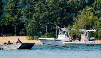 غرق 17 في انقلاب قارب سياحي في بحيرة بولاية ميزوري الأمريكية