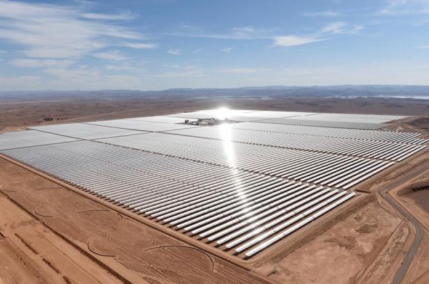 """Le Maroc, une """"superpuissance solaire"""" avec la mise en service de """"Noor1"""""""