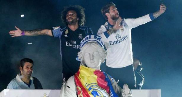 """لاعبو ريال مدريد يسخرون من بيكيه ويوجهون له عبارات مهينة"""""""