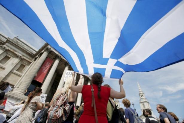 اليونانيون يصوتون وسط شكوك بشأن مستقبلهم في منطقة اليورو