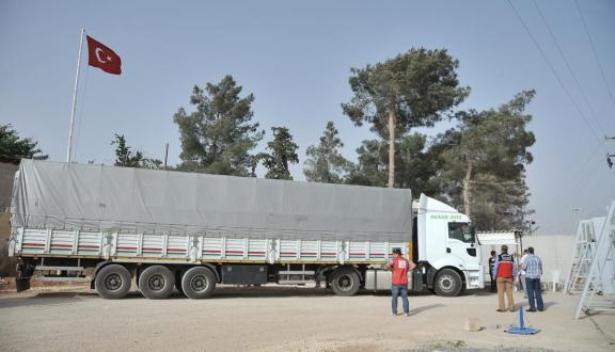 العثور على 200 مهاجر على متن شاحنة متخلى عنها بتركيا