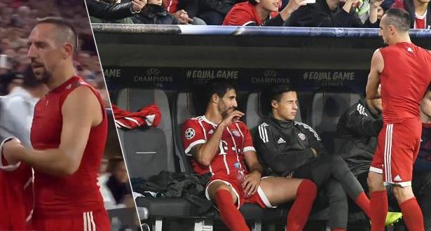 ريبيري ينفعل غاضبا بعد استبداله في مباراة بايرن بدوري أبطال أوروبا