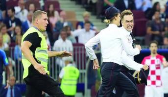 محكمة روسية تعاقب مقتحمي ملعب المباراة النهائية لمونديال 2018
