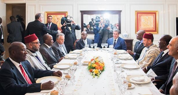 الرئيس الإيفواري يقيم مأدبة غداء على شرف الملك محمد السادس