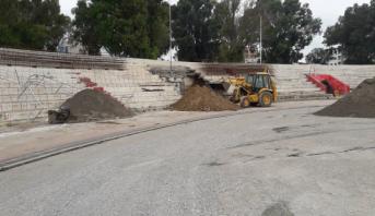 """أشغال الترميم والإصلاحات متواصلة بملعب """"سانية الرمل"""" بتطوان"""