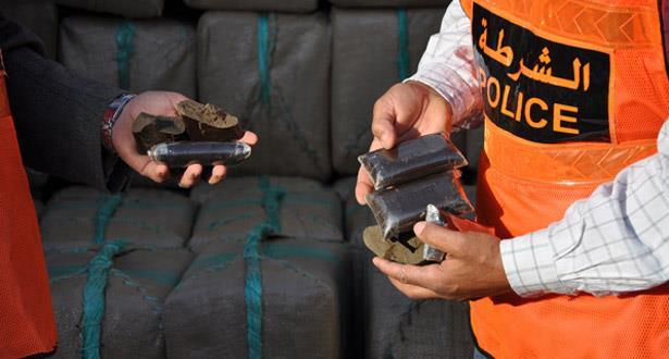 إيقاف إسباني حاول تهريب 105 كيلوغرامات من مخدر الشيرا بمعبر باب سبتة