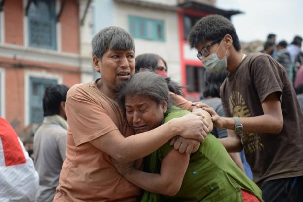 Séisme dévastateur au Népal: le bilan s'alourdit à 1.805 morts