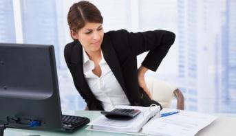 الجلوس لفترات طويلة يزيد من تراكم الدهون في الجسم ويرفع من خطر الإصابة بأمراض القلب والسكري