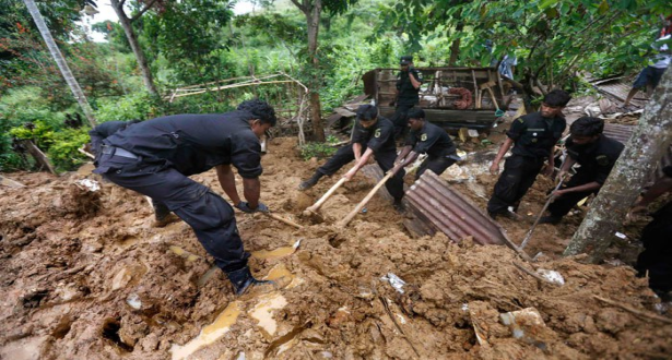 مقتل 25 شخصا على الأقل في انهيارات أرضية وسيول بسريلانكا