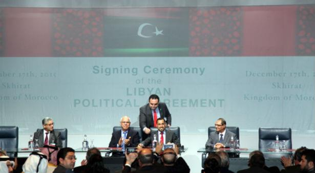 الفرقاء الليبيون يوقعون بالصخيرات على اتفاق سياسي لتسوية الأزمة في البلاد