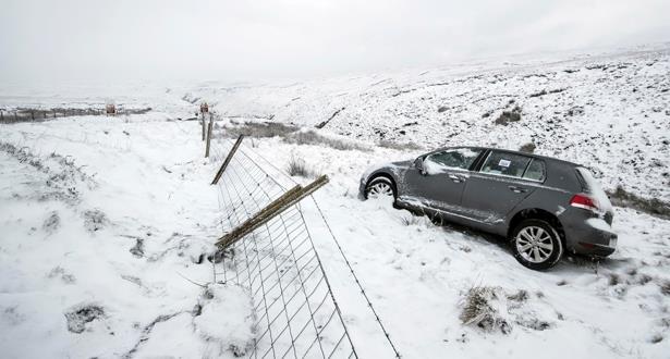 الثلوج الكثيفة تعرقل حركة النقل في شمال اوروبا