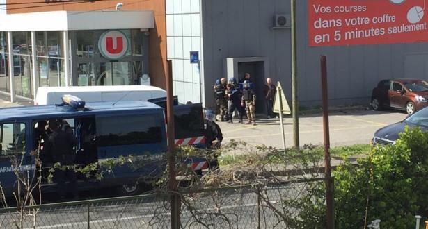 قتيلان على الأقل في عملية احتجاز رهائن في فرنسا