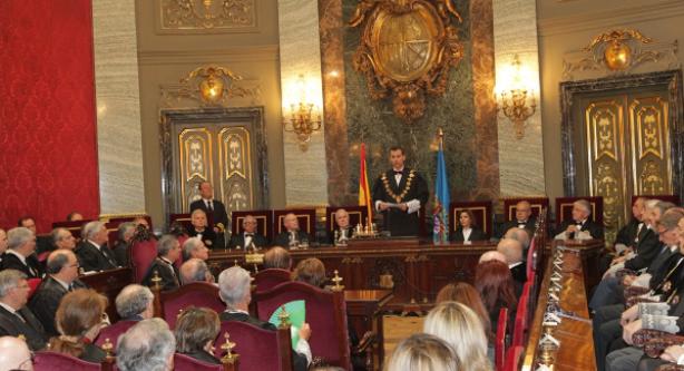 النيابة الإسبانية تهدد باعتقال رؤساء بلديات كاتالونيا المؤيدين للاستفتاء