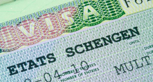 الاتحاد الأوروبي سيفرض قيودا على التأشيرات لبعض الدول