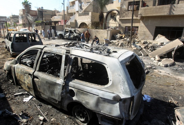 مقتل 11 في تفجير سيارتين ملغومتين ببغداد قبل الإفطار