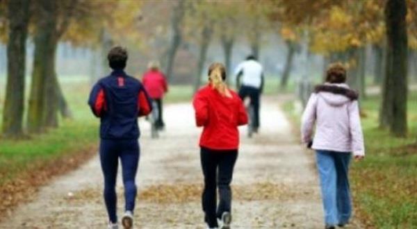 دراسة طبية تربط بين المشي وتحسن وظائف المخ