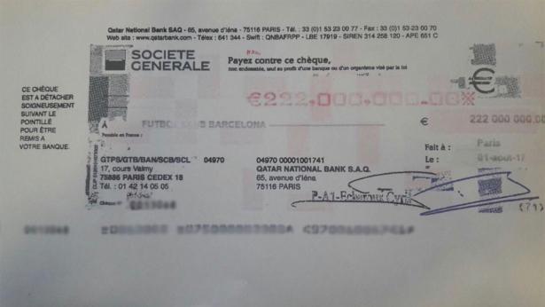 صحف إسبانية وفرنسية تتداول نسخة من شيك فسخ عقد نيمار مع برشلونة
