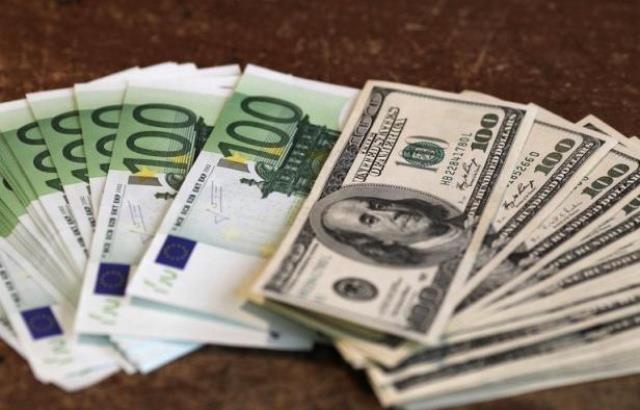 L'euro stable face au dollar
