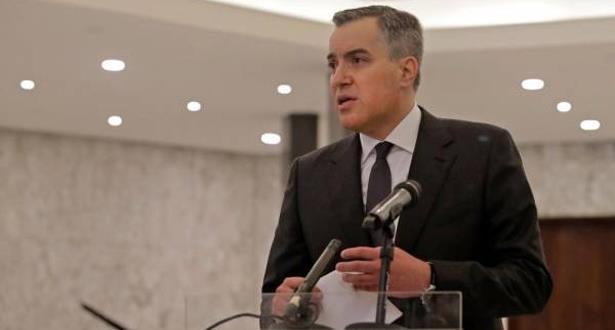 رئيس الحكومة اللبناني المكلف يتعهد بتشكيل حكومة من الكفاءات لإجراء إصلاحات شاملة