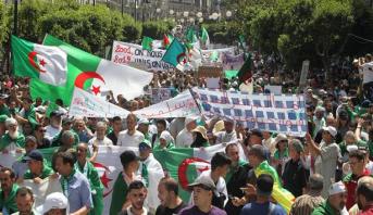 اعتقالات وانتشار غير مسبوق للشرطة في تظاهرة يوم الجمعة الـ19 بالجزائر