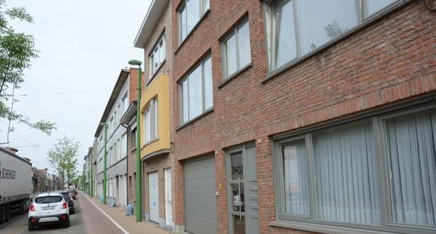 Anvers : Un arsenal d'armes retrouvé chez une femme qui appelle les urgences après s'être tiré une balle au pied !