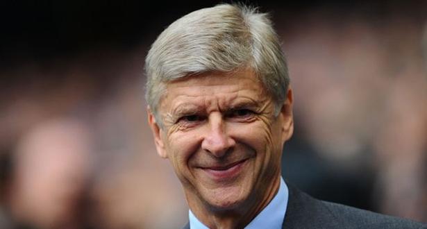 """""""الفيفا"""" يعين فينغر مديرا لتطوير كرة القدم العالمية"""