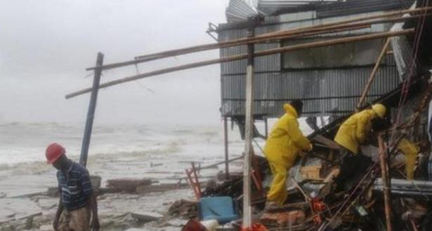 """عشرات الضحايا في جراء إعصار """"روانو"""" سواحل بنغلادش"""