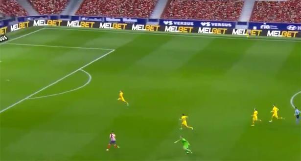 """فيديو .. أتلتيكو مدريد يحقق فوزه الأول على برشلونة منذ 10 سنوات، والفضل لحارس """"البارصا"""""""