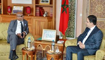 جزر القمر تعلن عن قرب افتتاحها قنصلية عامة بمدينة العيون