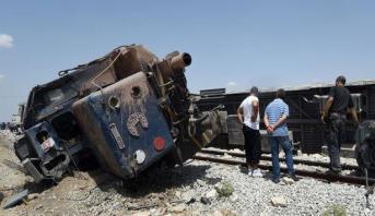 تونس .. مصرع أربعة أشخاص وجرح 4 آخرين اثر اصطدام عربة لنقل البضائع بقطار