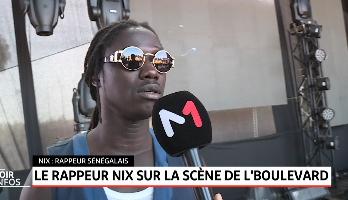 Le rappeur NIX sur la scène de L'boulevard