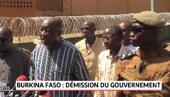 Burkina Faso: le gouvernement jette l'éponge