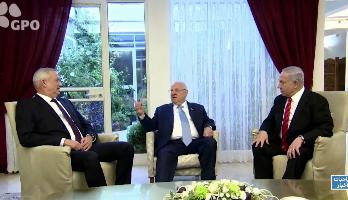 محاولات أخيرة بين نتانياهو وغانتش للتوصل لاتفاق حول الائتلاف الحكومي