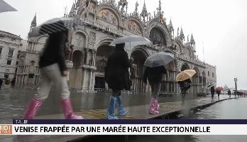 Italie: Venise frappée par une marée haute exceptionnelle