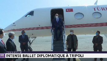Crise libyenne: intense ballet diplomatique à Tripoli