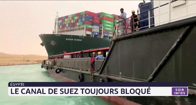 Égypte: le canal de Suez toujours bloqué