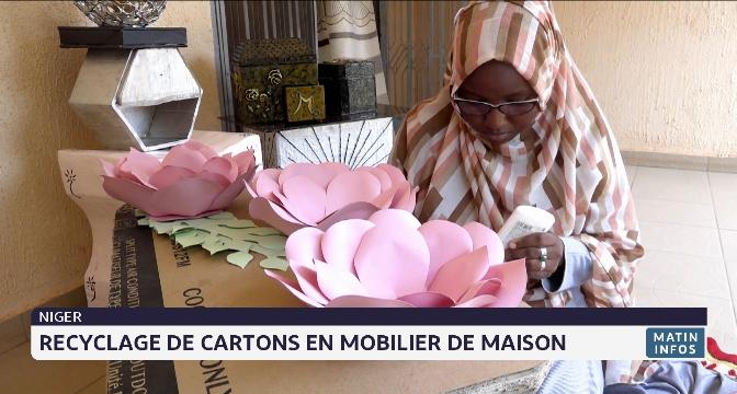 Niger: recyclage de cartons en mobilier de maison