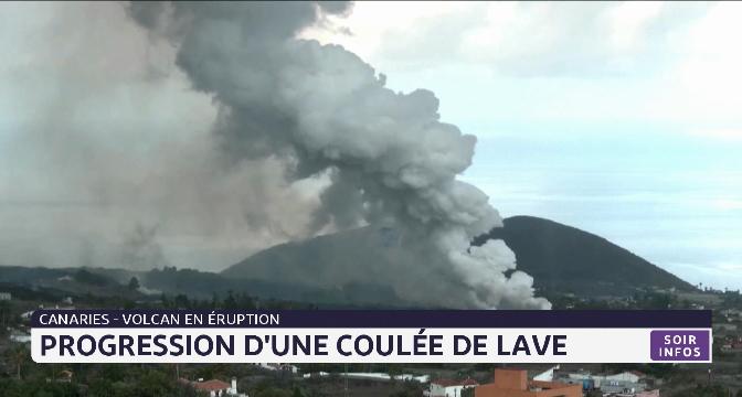 Canaries-volcan en éruption: progression d'une coulée de lave