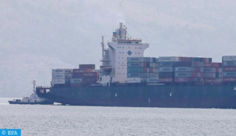 إنقاذ 5 بحارة على إثر اصطدام سفينة أجنبية لنقل البضائع بمركب للصيد الساحلي في عرض سواحل الداخلة
