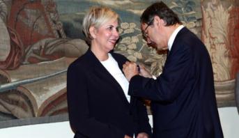 توشيح نزهة حيات من طرف العاهل الإسباني وذلك لالتزامها بتعزيز العلاقات الاقتصادية المغربية-الإسبانية