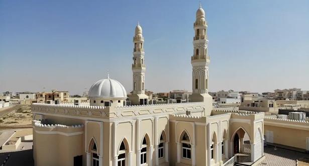 الإمارات تبدأ تدريجيا فتح المساجد