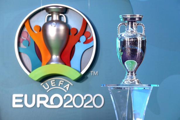 """يورو 2020 .. """"يويفا"""" يلزم المشجعين بلقاح كورونا لحضور المباريات"""